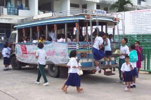 Wenn die Klasse mal für schulische Zwecke unterwegs ist, kommen diese Busse zum Einsatz.