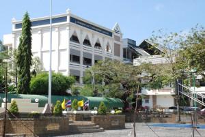 Die Schule im Stadtteil Kao Lang mitten in Old Phuket.