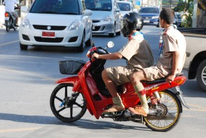 Wer schon selbst ein Moped hat, hat auch immer noch Platz für ein bis 3 Freunde hinten drauf.