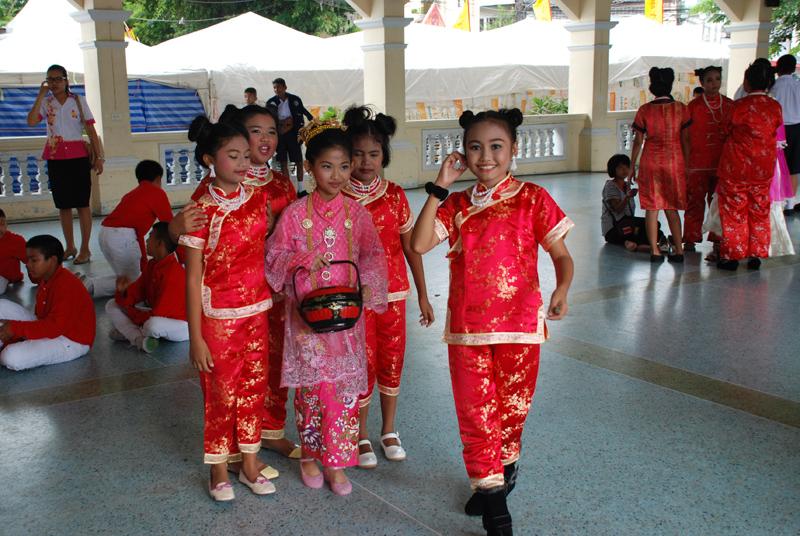 Diese Mädchen warten auf ihren Auftritt