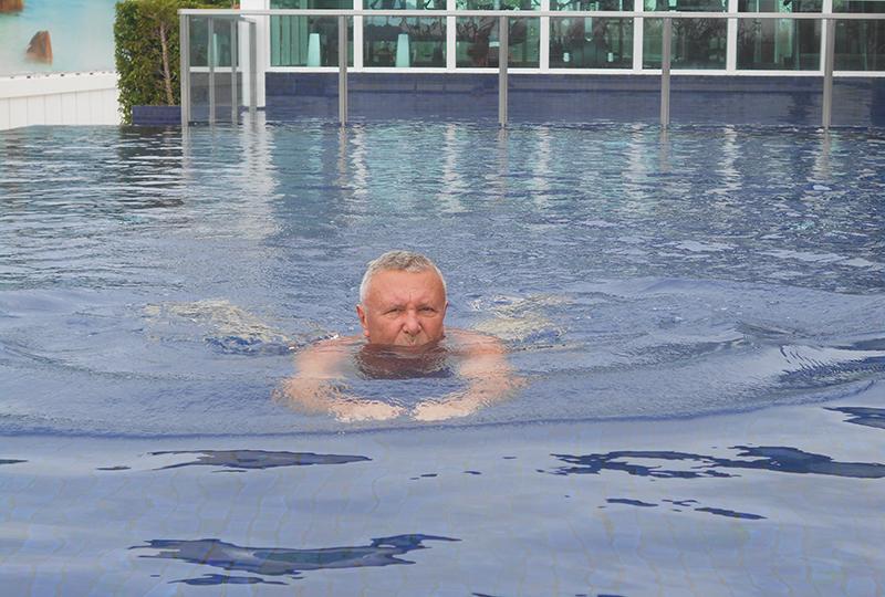 8Schwimmen
