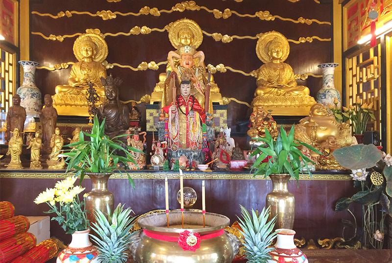 8shkitike11buddhaaltar